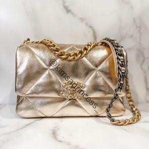 Chanel 19 Gold Lambskin - Chanel 21S Flap Bag